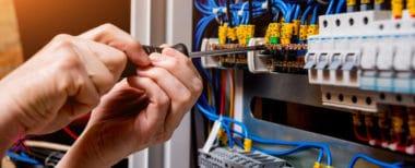 انتخاب ابزار دستی عایق مناسب برای کار با برق ولتاژ بالا
